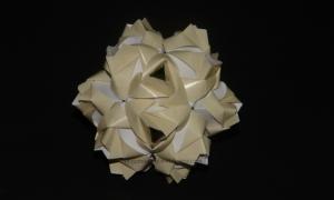 Origami Little Roses Kusudama