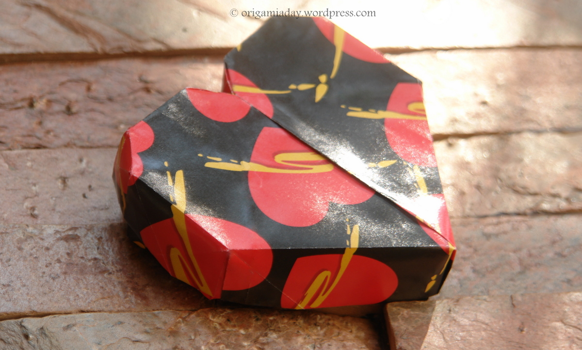 An Origami A Day Blog To Track My Endeavours Nut Simple Kusudama Heart Box Closed